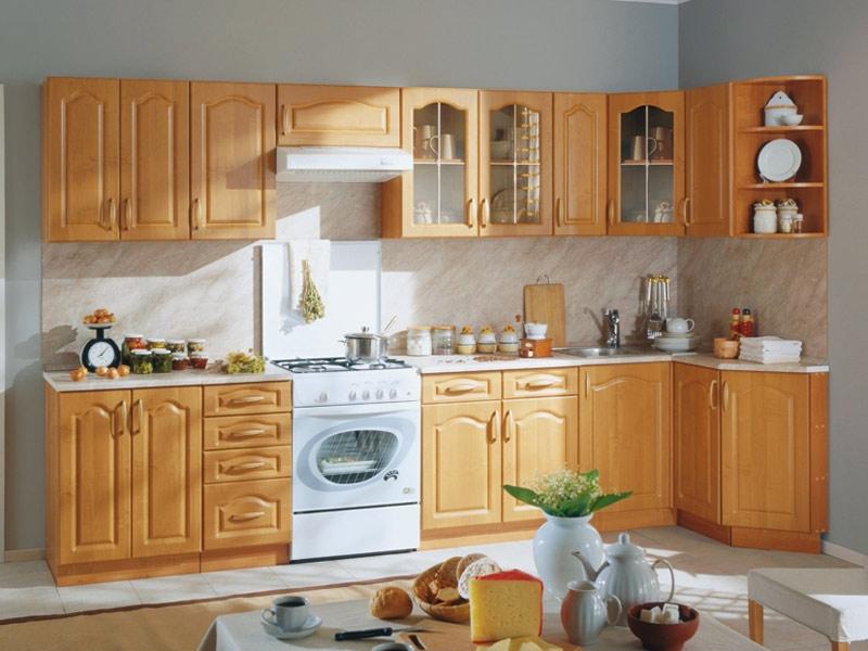 """Цвета кухни  """"Оля """": корпус - вишня/фасад - ольха; корпус - итальянский орех/фасад - итальянский орех."""